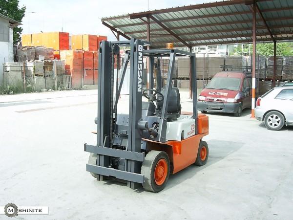 NISSAN 2500 2500 кг