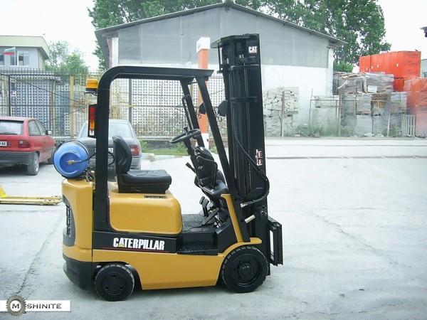 Газокар Catherpillar 1500 кг.