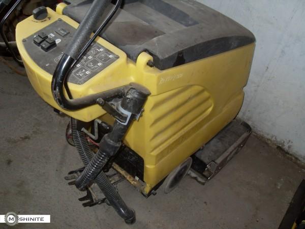 Евтина подопочистваща машина Керхер