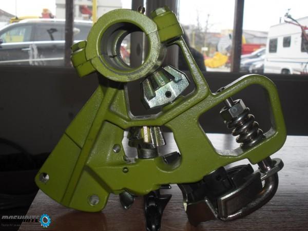 Продавам връзващи апарати за сламопреси Клаас Маркан ...