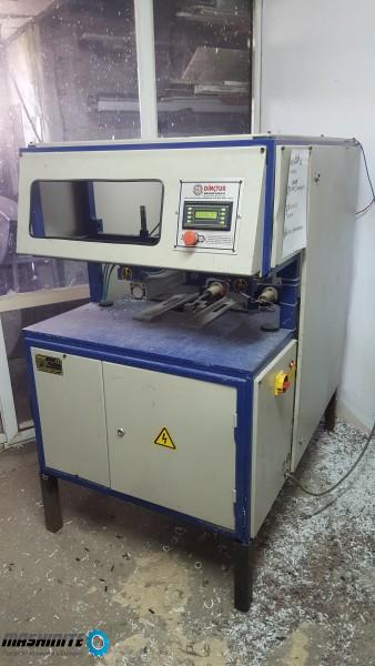 Зачистваща машина за ПВЦ дограма
