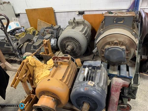 Елeктродвигатели и редуктори