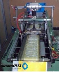 Полуавтоматична машина за пакетиране на пластмасови  ...