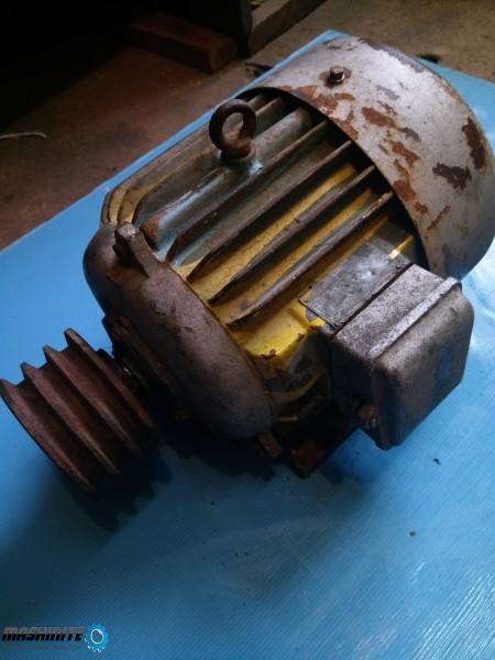 Трифазен асинхронен двигател АО2  41/4