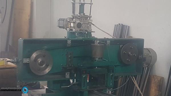 машина за разкрояване на тръби